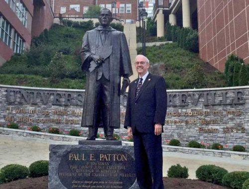 Paul-wiht-Paul-Patton-statue-on-campus